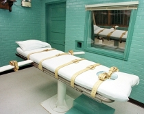Lethal-injection gurney in Huntsville, Texas. Photo: Paul Buck – AFP/Getty Images